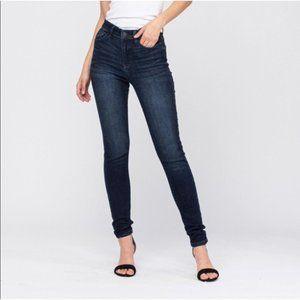 Judy Blue NWT Dark Wash High Rise Skinny Jeans